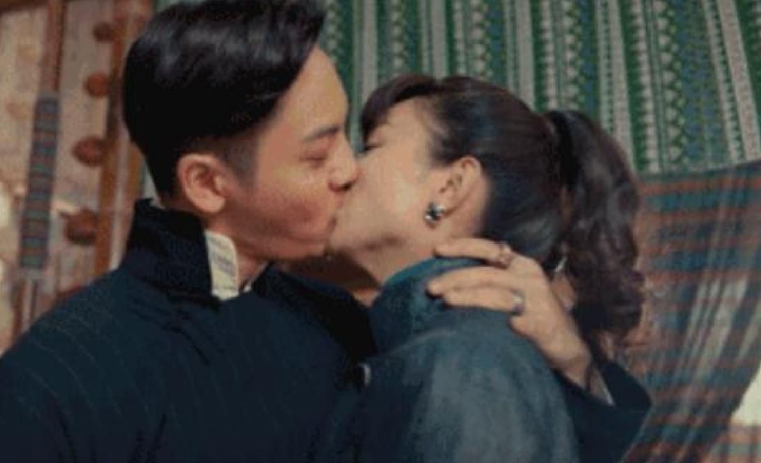 《老九门》赵丽颖陈伟霆演绎最亲密吻戏