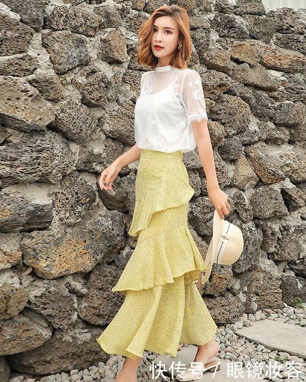 放弃连衣裙吧,今年流行的鱼尾裙,美得出众,穿对的女人最有气质