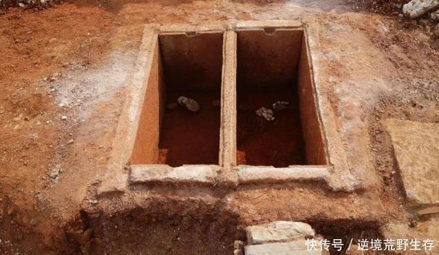 <b>学校扩校发现墓葬,里有2具20岁女尸骸,专家王侯和乳母合葬</b>
