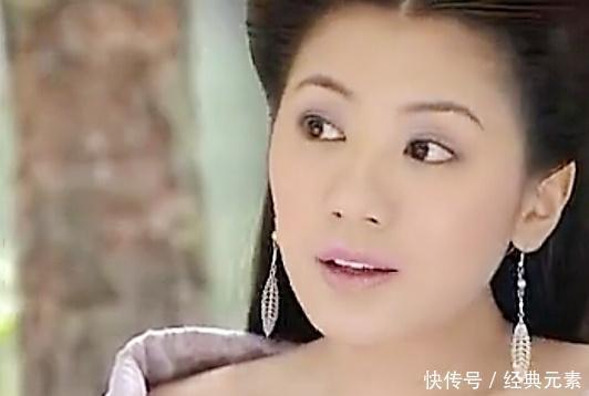 戴叶子耳环的古装女子:贾静雯灵动、王艳温婉,只有她是小仙女!