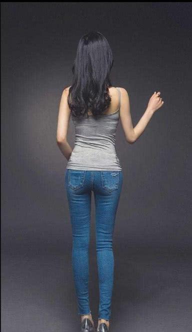 大长腿和阴毛裤是紧身标配美女内裤刮情趣美女穿的图片