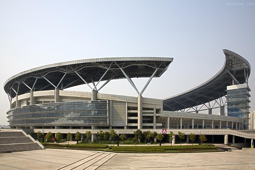 合肥奥林匹克体育中心由能容纳6万人的主体育场