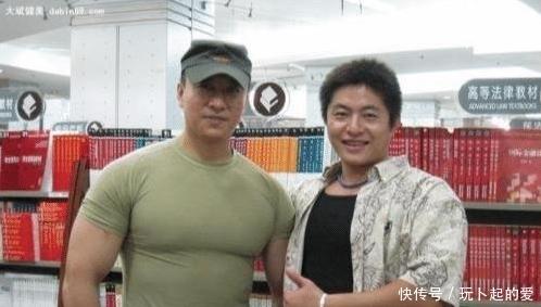 中国保镖之王:巴菲特曾出每小时4000美金雇他,实战最多打趴30人