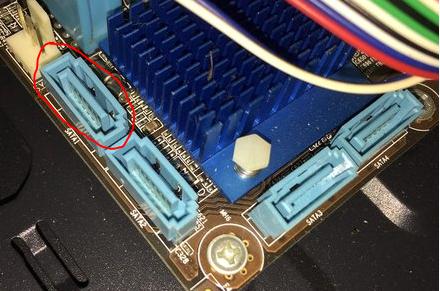 【台式机装固态硬盘,请问大侠们要接哪个接口?