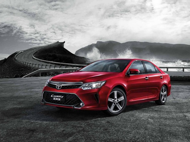 丰田凯美瑞2017款最新消息,丰田新款凯美瑞在上海车展正式亮相,全新