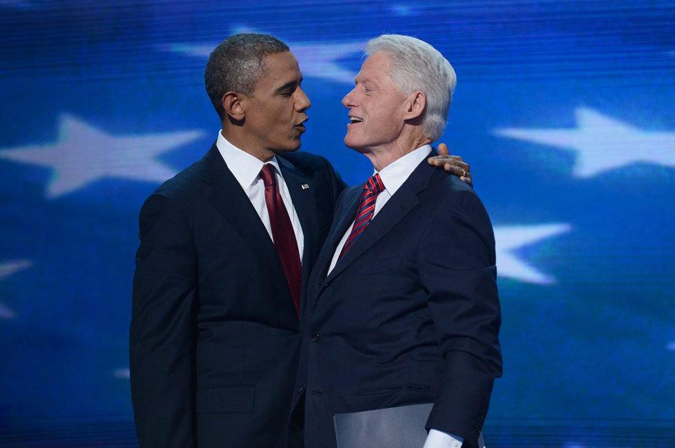 """奥巴马与克林顿同台演讲""""惺惺相惜"""""""