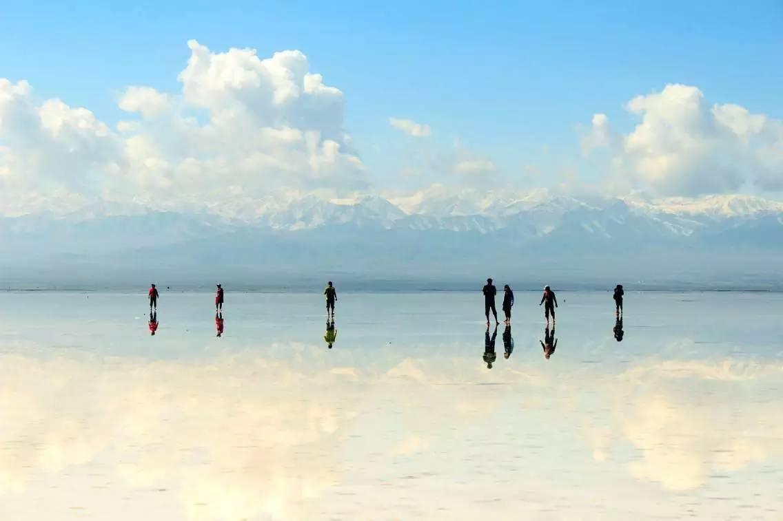 旅游指南 >茶卡盐湖 说好的天空之镜呢?