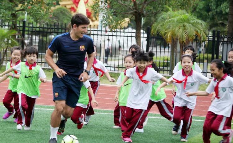 海口巴萨校园足球训练活动走进海口市玉沙实验学校
