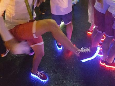 这款让歪果仁疯狂的奥运发光鞋 是中国人设计