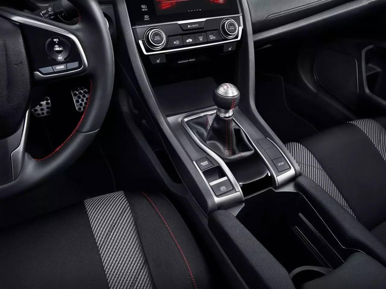 像丰田gt86那么讲究情怀的车,不还是同时提供了自动挡供选择吗?