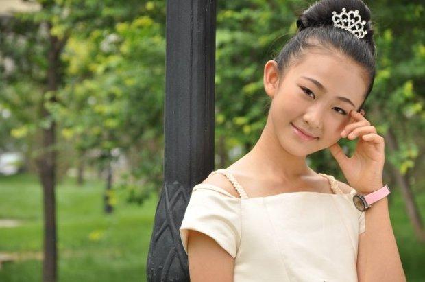 求多组可爱女生的照片 要求真实 可爱 要同一个人 是自拍 年龄12-14