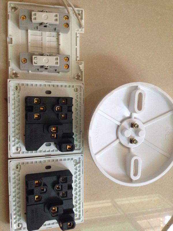 接三开三控的灯怎么接线