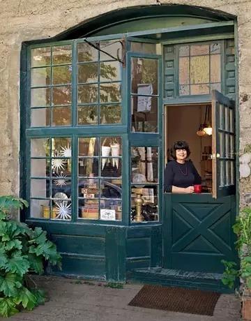当你遇到一些可爱的小店时,请记得进店里跟它的主人打个招呼或者一块