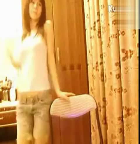 美女热舞自拍之欣儿宝贝美女性感热舞白衣牛仔裤