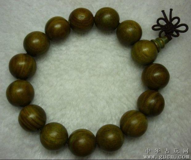 手串上木头珠子花纹均匀
