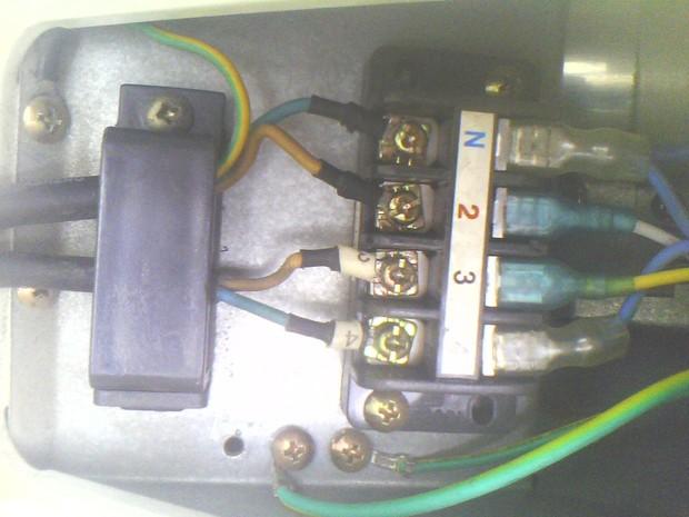 给指点一下我的空调接线是否正确 谢谢各位啦注明 是格兰仕外机接线图片