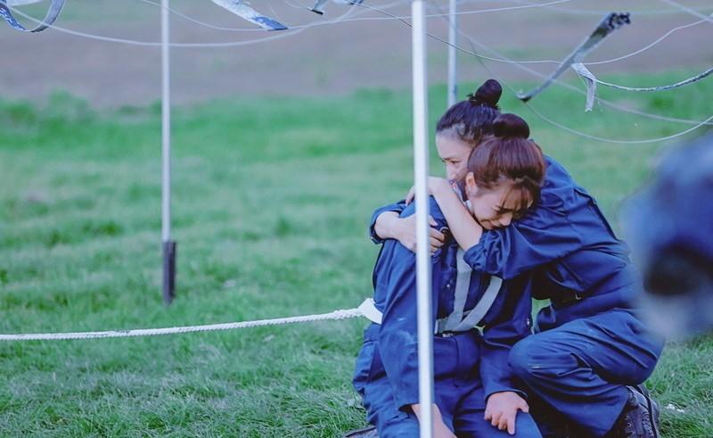 佟丽娅录节目体力不支:与沈梦辰抱头痛哭 - 一统江山 - 一统江山的博客