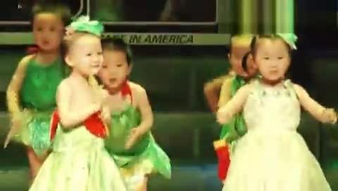 魔法城堡国际幼儿园2013六一节目--《身体妙妙妙》