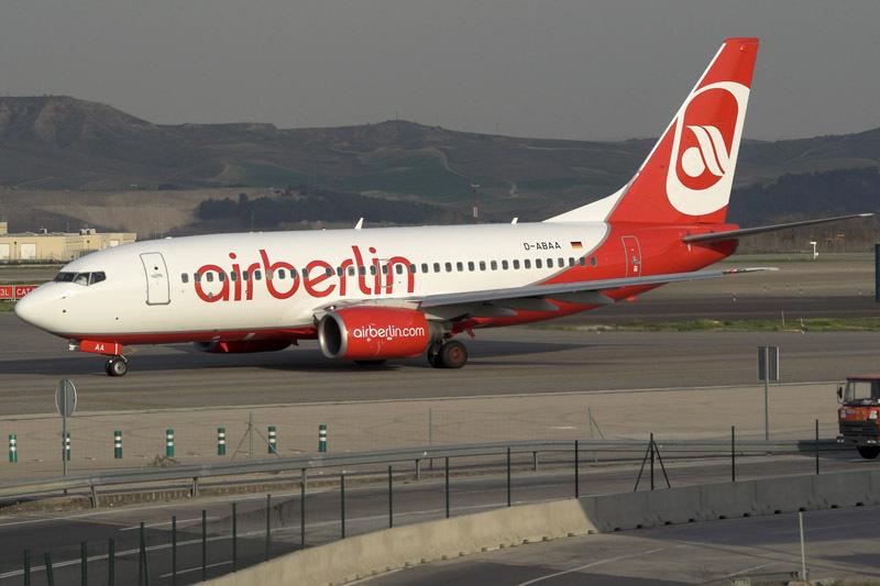 柏林航空波音737-700的新涂装