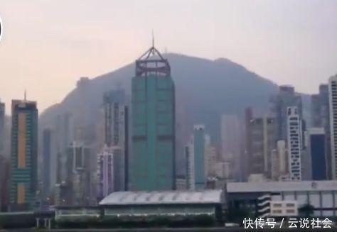 """香港最豪""""包租婆"""",年入200亿,92岁不知钱该怎么花!"""