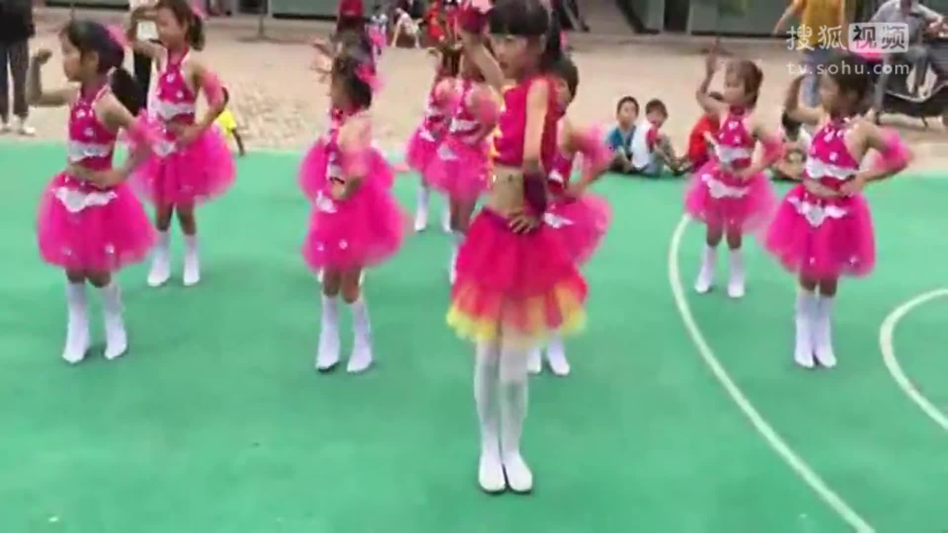 幸福的脸幼儿舞蹈视频 小学幼儿舞蹈《幸福的脸》-全球无敌八挂王.