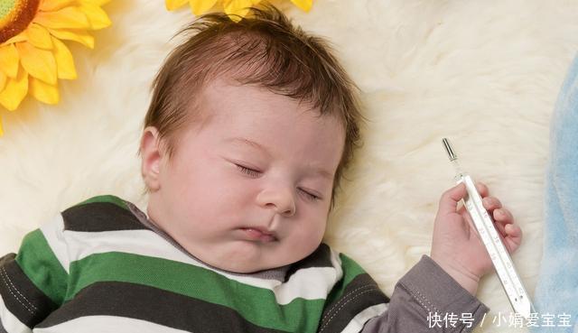 宝宝发烧后的第一件事,不是吃药也不是上医院