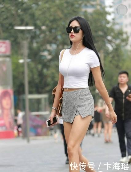"""该低调时却不低调,街头女生穿上""""低调裤"""",让钢铁直男都看直眼"""