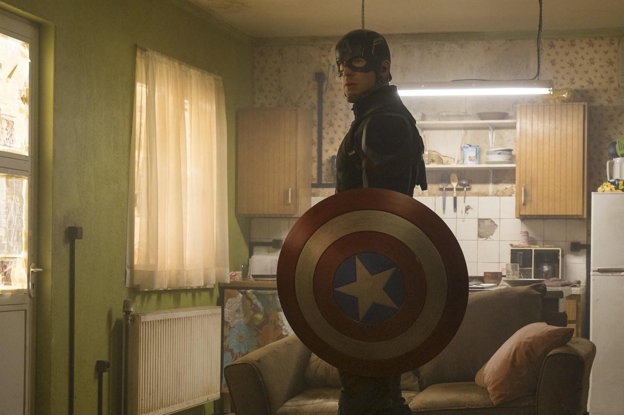 《美国队长3》海量新剧照