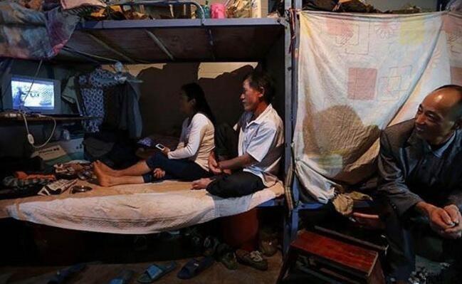 农民工夫妻真实生活:甜蜜时刻一张床一块布 - 一统江山 - 一统江山的博客