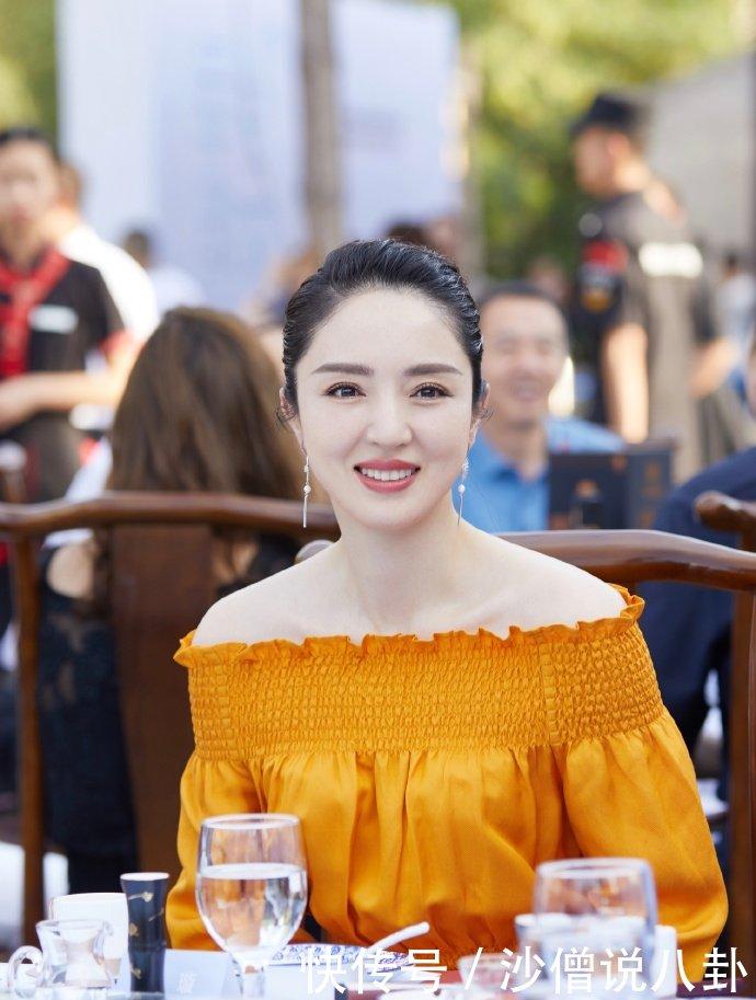 董璇离婚后发文为亲子餐厅做宣传为每个家庭营造不同的亲子时光