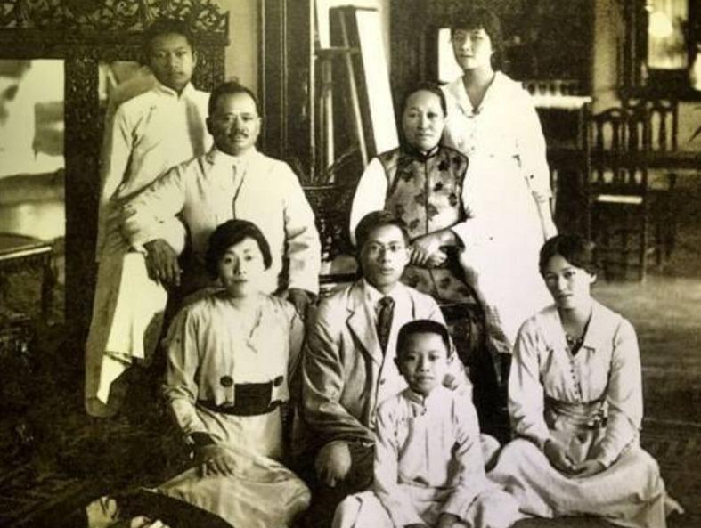 好奇心 正文  民国时期的宋氏三姐妹:宋霭龄,宋庆龄和宋美龄,几乎无人