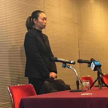江歌妈妈回国后要与刘鑫对簿公堂,你想说____
