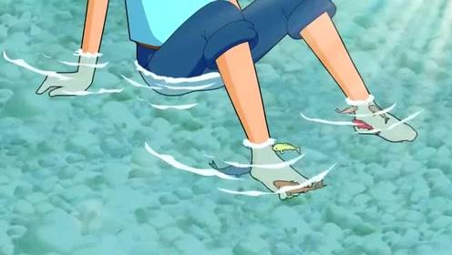 《新大头儿子和小头爸爸》为什么鱼总去亲小头大头的脚?他们有脚臭?