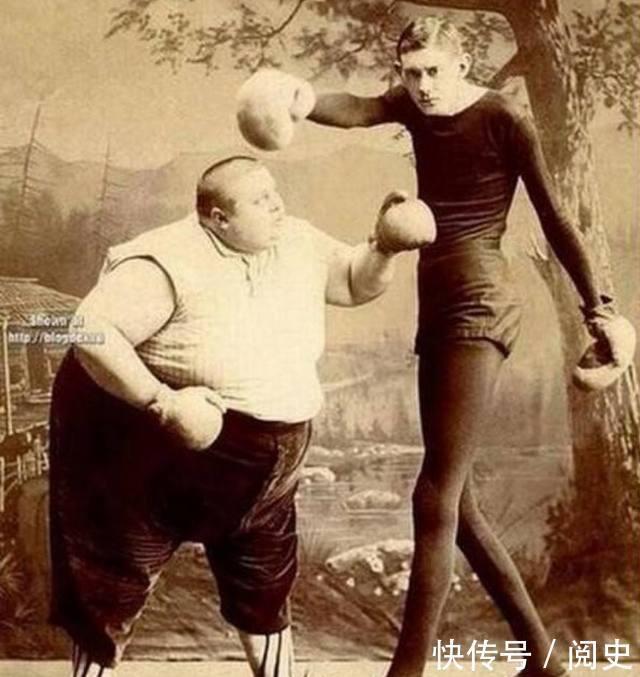 世界上最胖的人1400斤_世界上最胖的人和世界上最瘦的人的拳击比赛,我想,这是一场势均力敌的